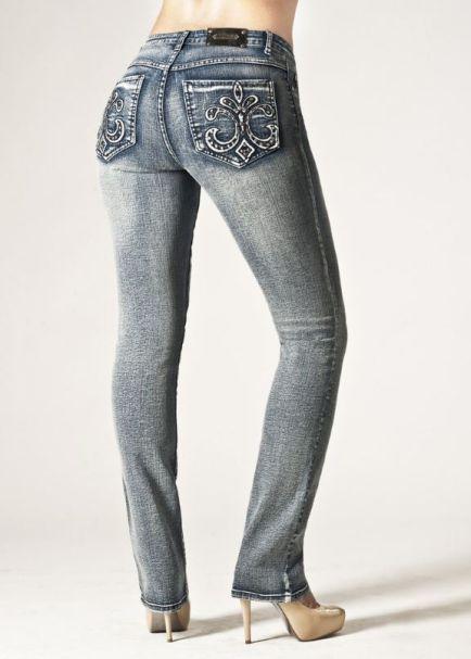 Tru Luxe Ladies Florence Mid-Rise Straight Leg Denim Jeans in Medium Wash